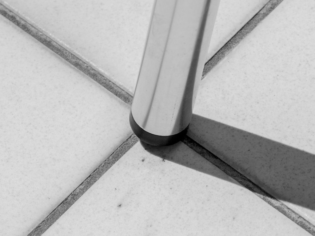 Tiles and support