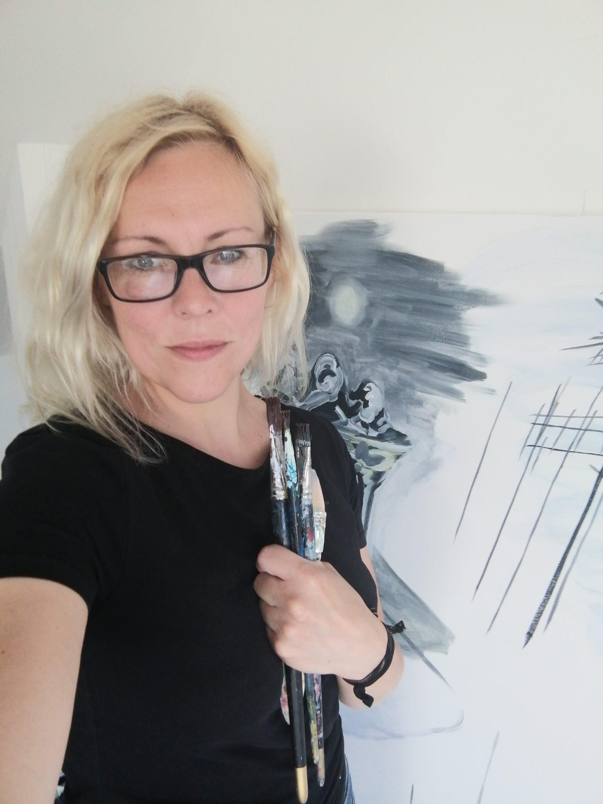 Alison Hand Profile Picture